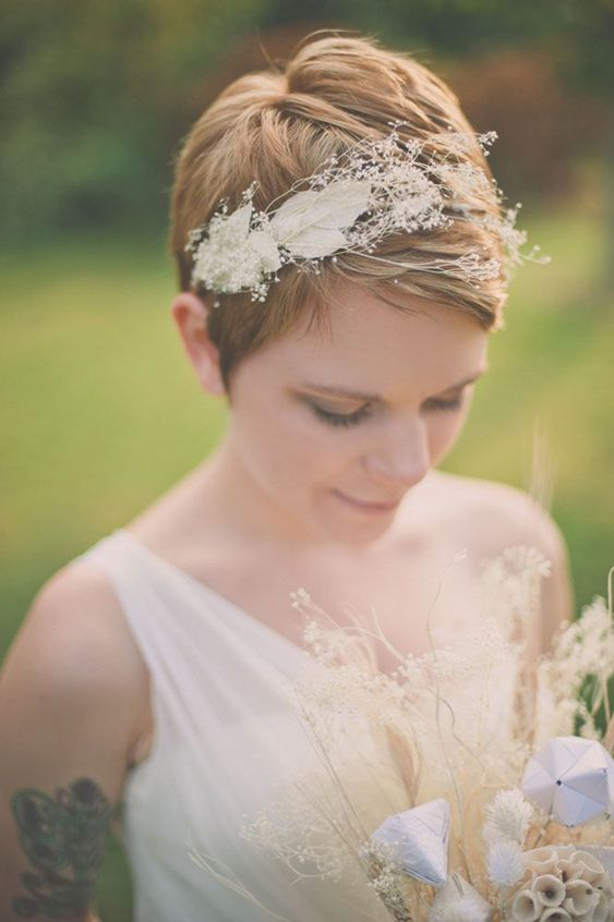 Svatební účes pro krátké vlasy - Obrázek č. 5