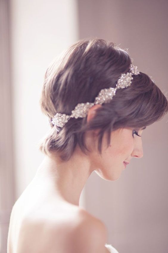 Svatební účes pro krátké vlasy - Obrázek č. 15
