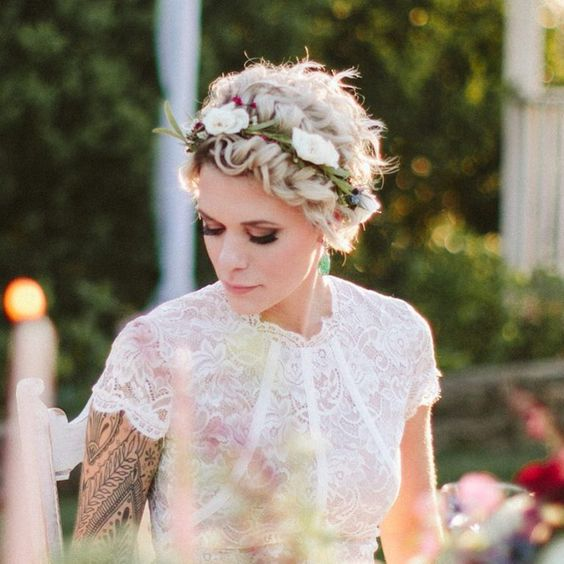 Svatební účes pro krátké vlasy - Obrázek č. 3