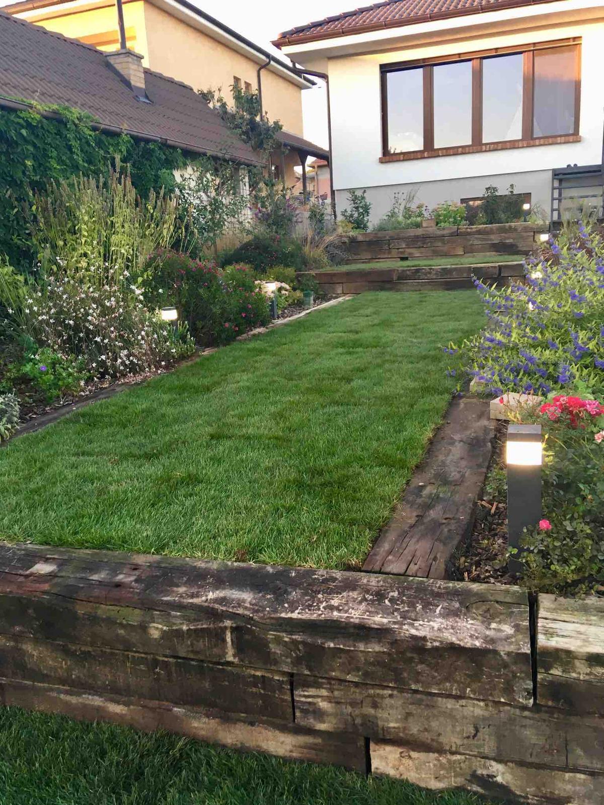 Názov stavby 3 - in da garden - trávnik položený pár minút
