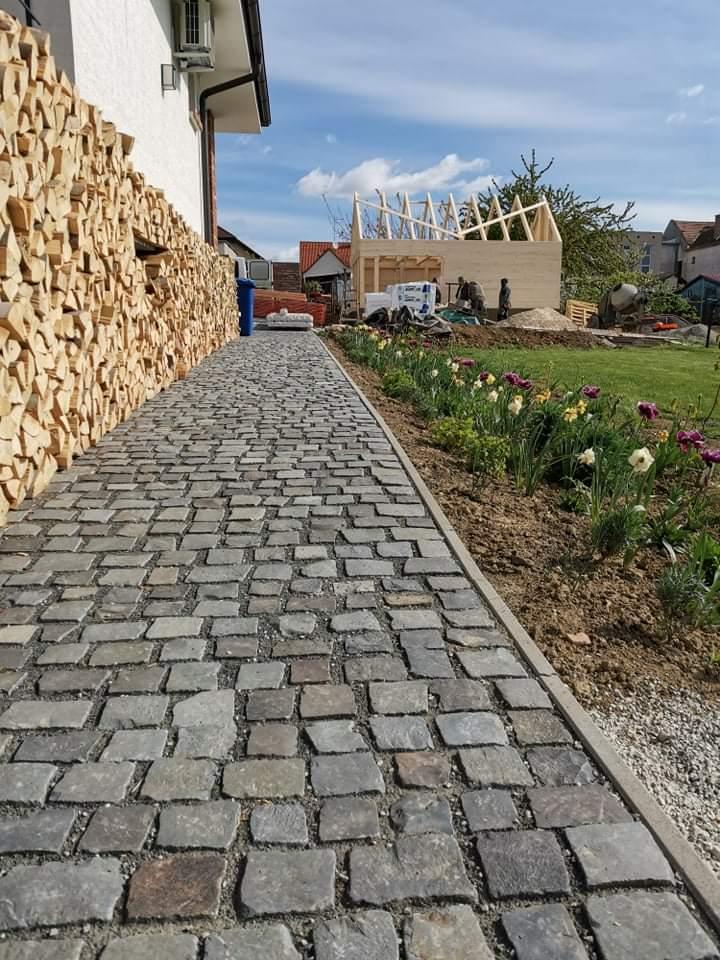 Názov stavby 3 - in da garden - stodola v procese