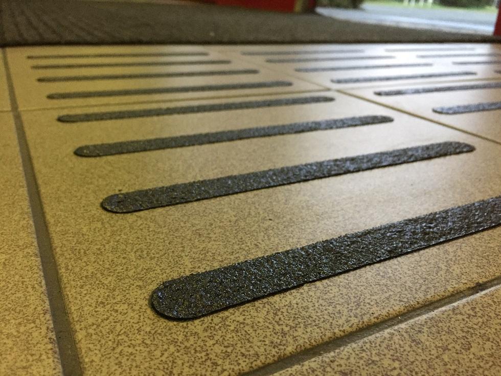 priemyselnerohoze_sk - Protišmykový náter na schody a terasu