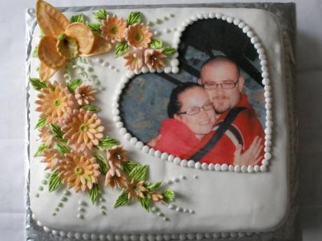 Petra & Juraj --> 11. 7. 2009 - nasa torta