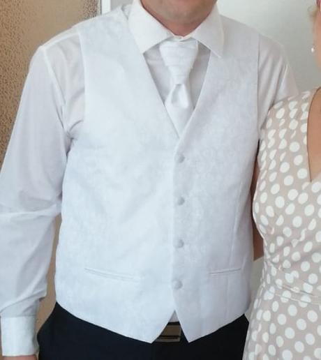 Predám svadobnú vestu, kravatu a košeľu - Obrázok č. 1