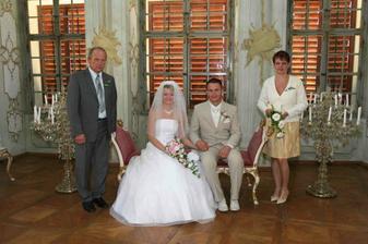 s rodiči ženicha ...