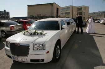 naše svadobné autíčko....jedna báseň