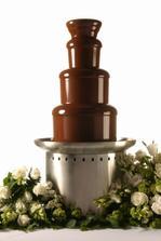 Moja cokoladova fontana, mnam...ku candy baru pridame aj ovocny bar:)