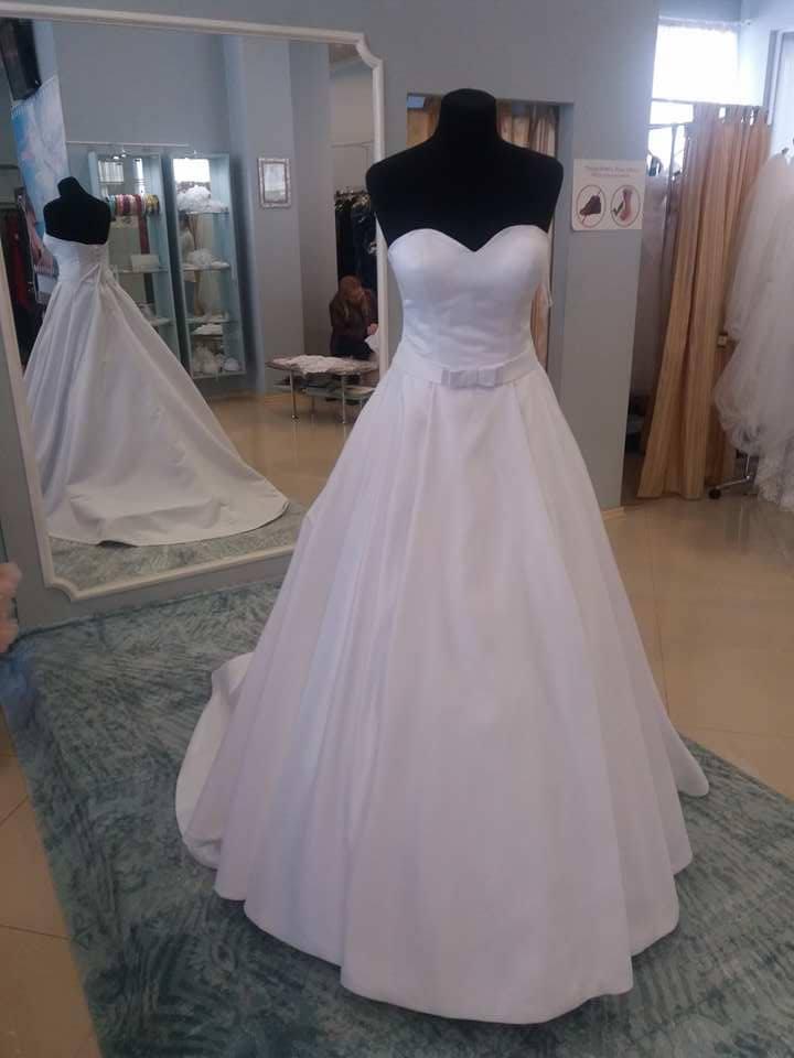 Svadobné šaty šité  na mieru - Obrázok č. 2