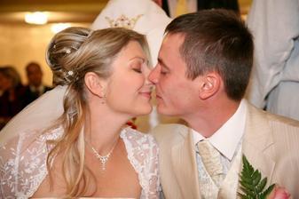 první novomanželská