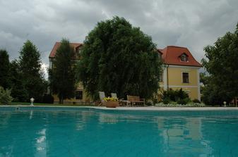 Castel v Mierove