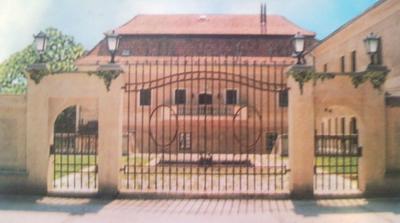 Zámek - Vstupní brána