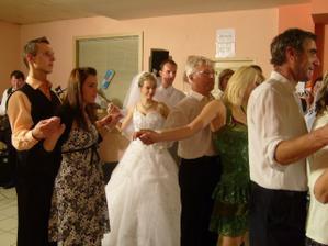 mazurka,ako zoznamovací tanec pre našich mladých, ale zúčastnili sme sa skoro všetci