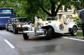 Origoš auto, veď koľkokrát sa môžeš viesť v aute Silvestra Stalloneho!
