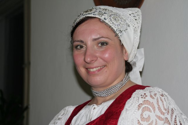 Zuzka Tesáčeková{{_AND_}}Janko Korček - začepčená nevestička...