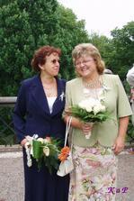 Moje maminka s mojí svědkyní Táňou :)