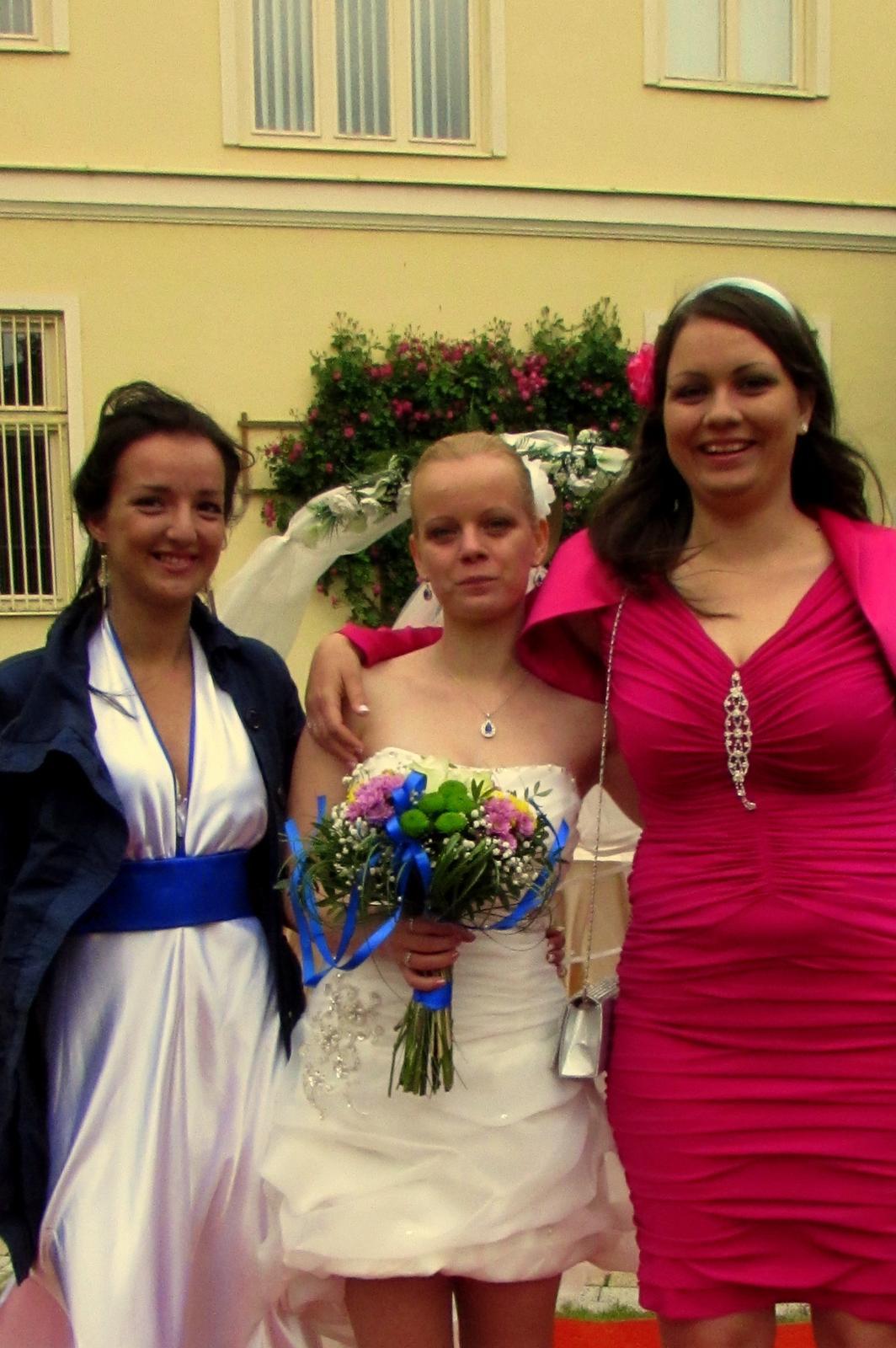 Monika{{_AND_}}Romanko - družička so svedkyňou :) (Najlepšia kamarátka a sestra)