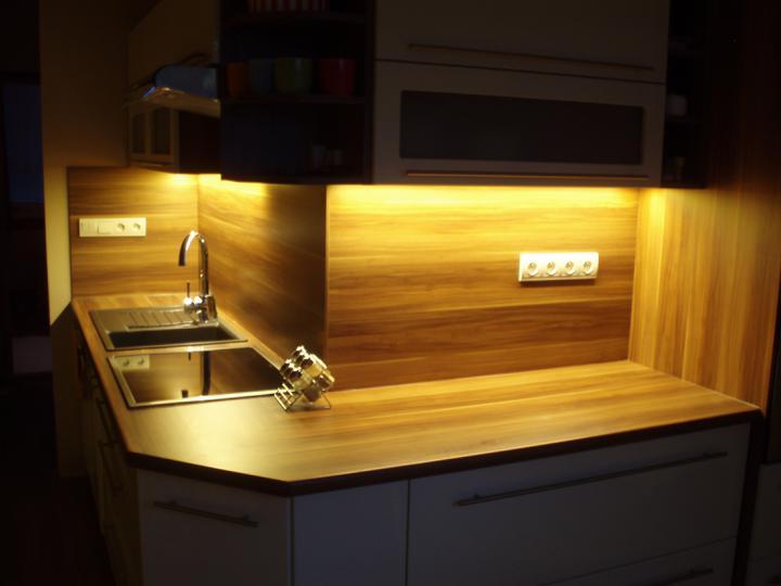 Kuchyňa - osvetlenie led-pásom