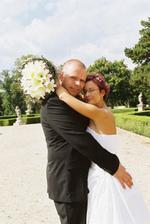 novomanželské objetí