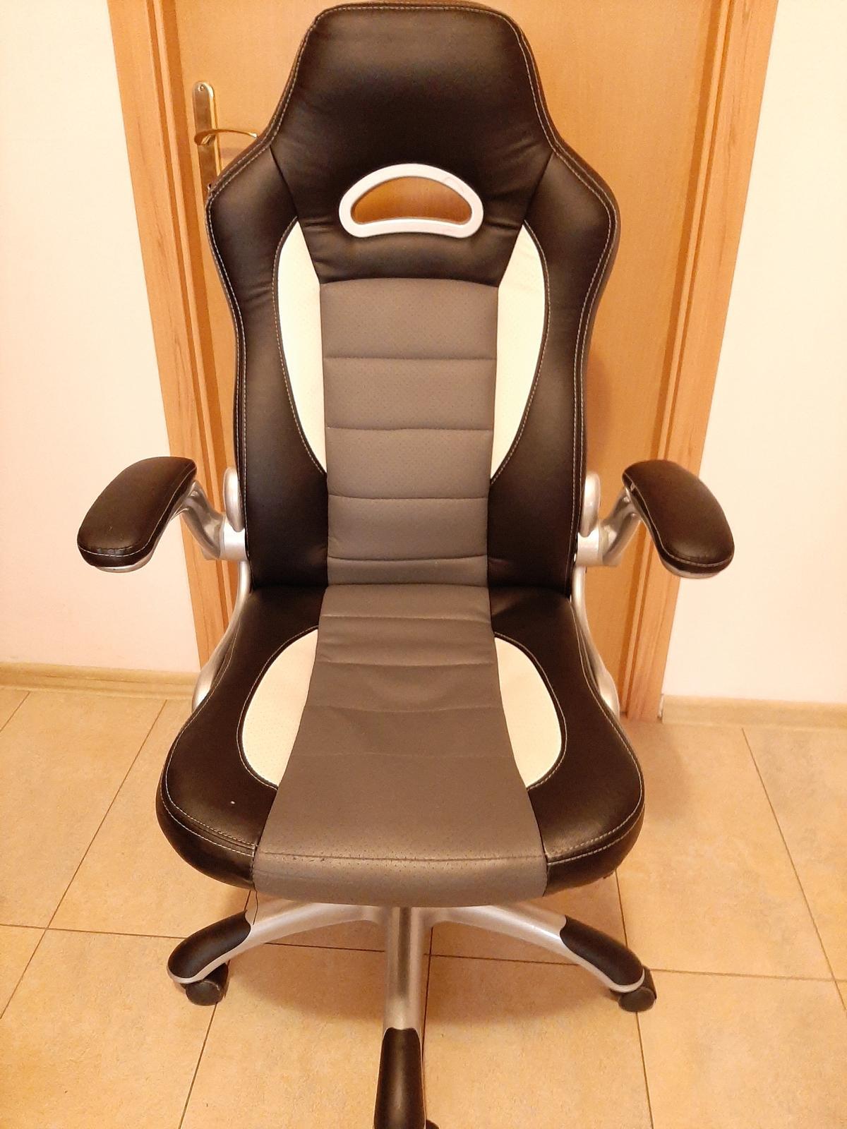 kancelárska masívna stolička - Obrázok č. 1