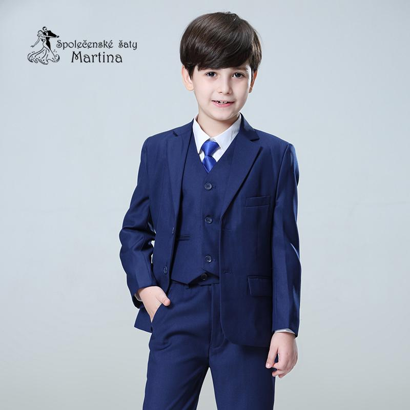 Chlapecký oblek - Obrázek č. 1