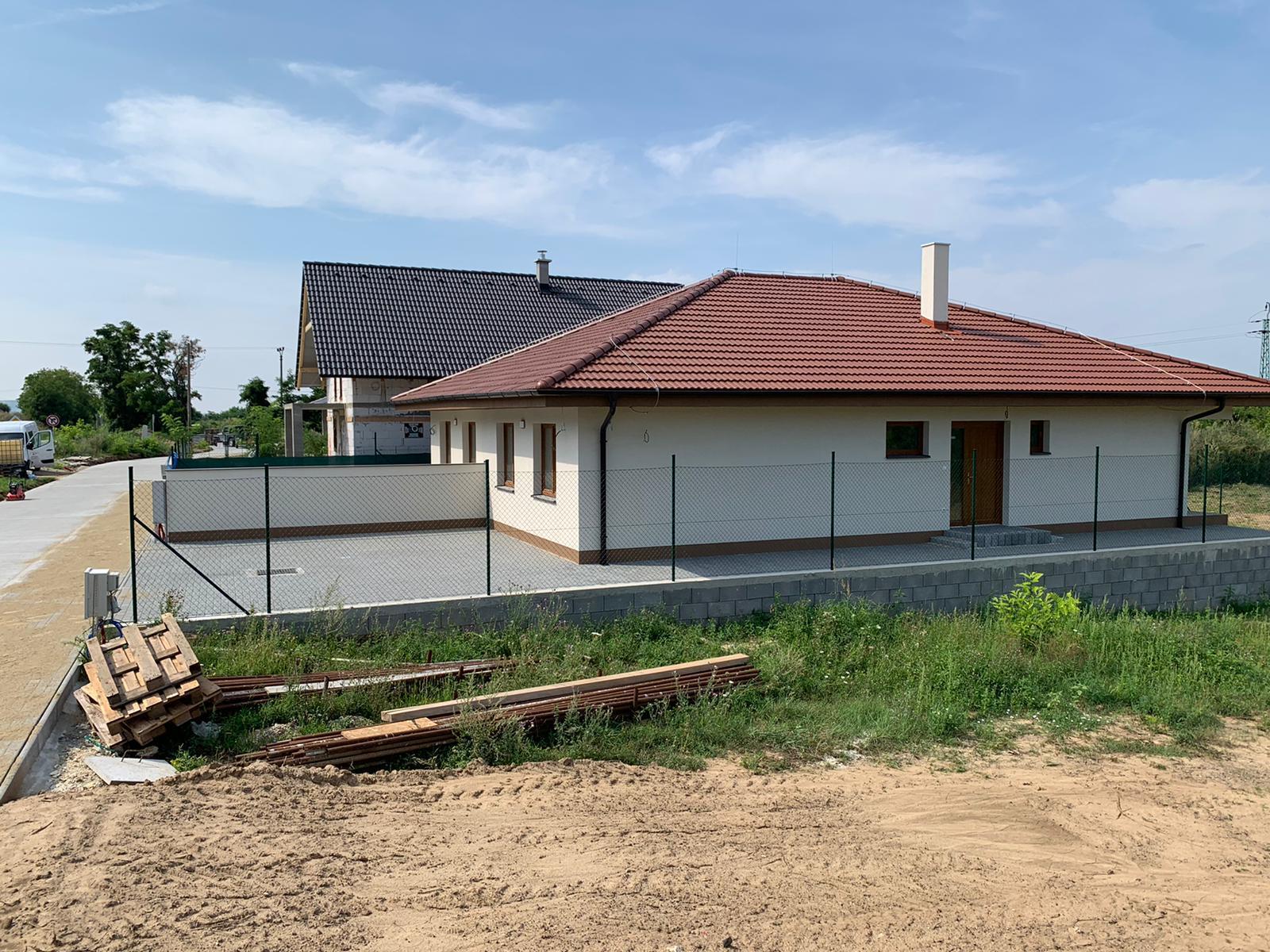 Malý dom s veľkou záhradou