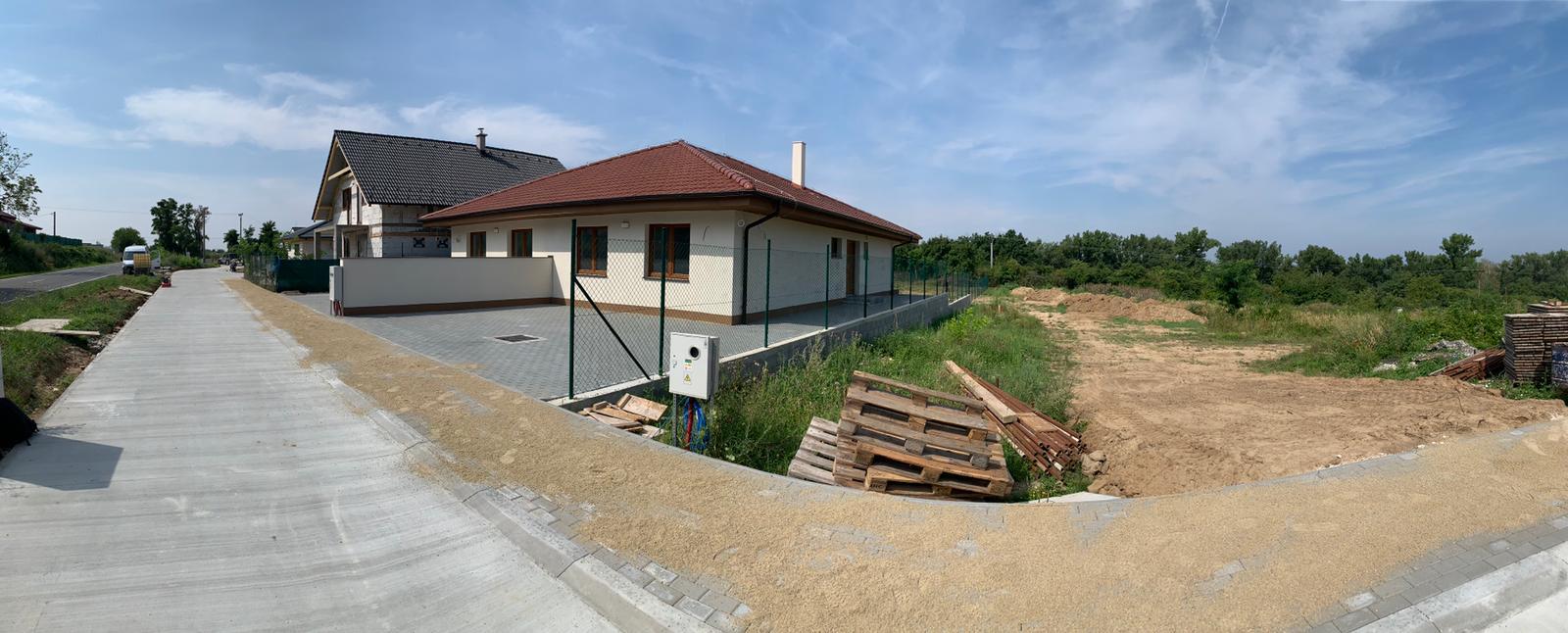 Malý dom s veľkou záhradou - Obrázok č. 2