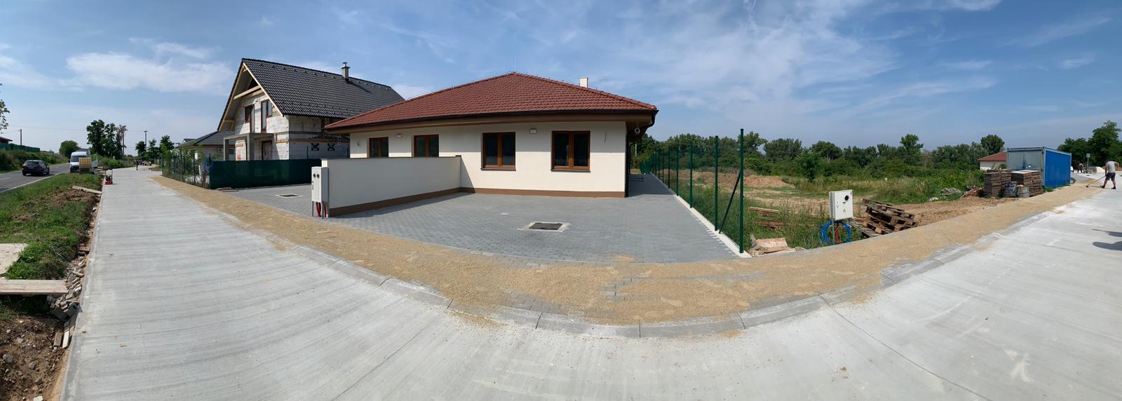 Malý dom s veľkou záhradou - Obrázok č. 3