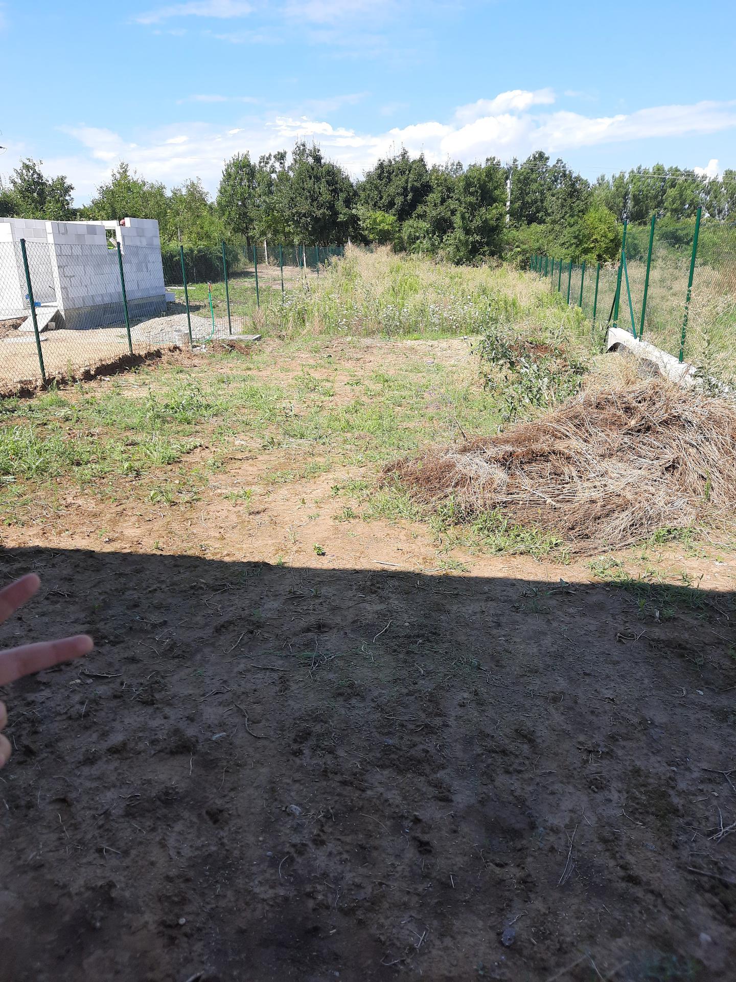 Malý dom s veľkou záhradou - Obrázok č. 37
