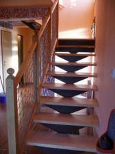 konečně máme dodělané celé schodiště:)