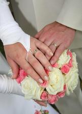 moje překrásná kytice a naše prstýnky