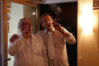 """""""Kouříte? Ne! Já taky ne! ... Tak si dáme doutník!!"""""""