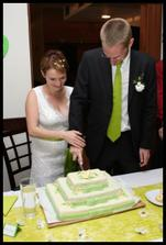 Krájení dortu - byl moc dobrý