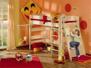 vysokou postel nechci, ale o stěně s úchyty vážně přemýšlíme :-)