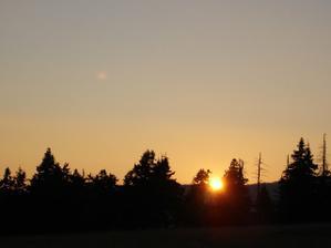 Romantika západu slunce v Krkonoších