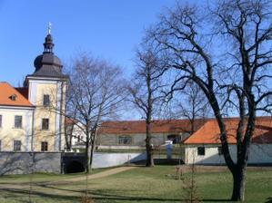 Nově opravený areál ve Ctěnicích...zajímavé místo... ;-)