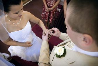 Tento prsten je symbolem mé lásky a věrnosti.
