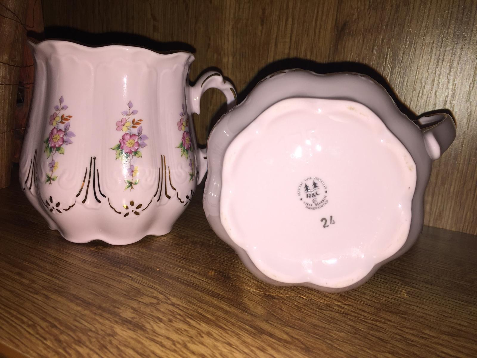 Hrnček ružový porcelan HaC - Obrázok č. 1