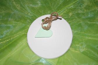 se zeleným srdíčkem, průměr cca 10cm
