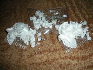 koupeny hřebínky,sponky a skřipečky do svatebního účesu:))