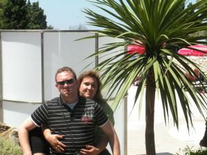 naše společná fotka ze svatební cesty:))