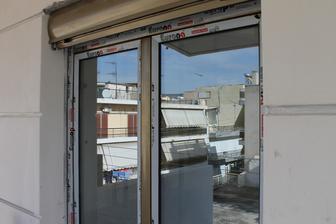 nakoniec sme vybrali okna v olivovej farbe - aluminiove kedze tu sa plastika nenosi