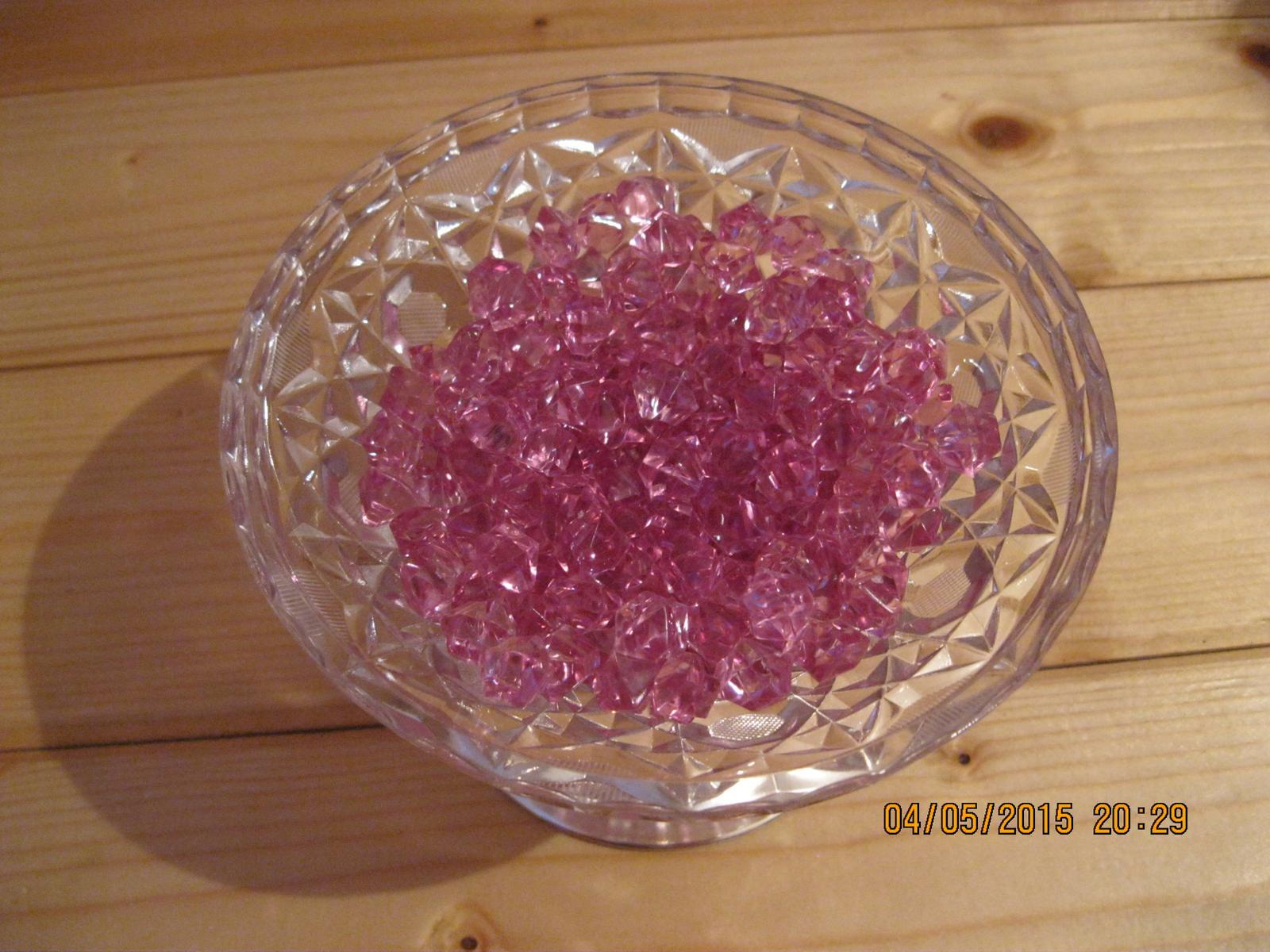 Kamínky tmavě růžové, 1,5 cm - Obrázek č. 1