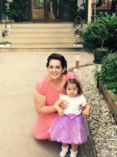 Fotka z mobilu : Sesternica s malou Harleen :)