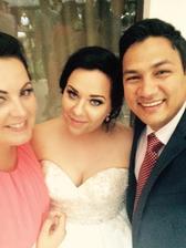 Foto mobil: Ja so sesternicou Nikou a jej manželom Arunom :)