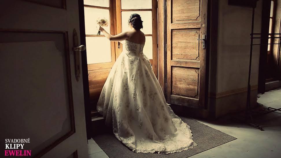 ♥ Vikulka{{_AND_}}Peťo ♥ - Foto od kameramanky z nášho svadobného videa :)