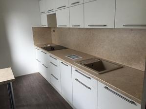 Konečne aj kuchynu máme :-)) jupiiiii