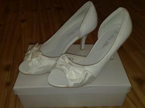 dalsie biele topánky.... len pre prípad