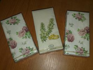papierové vreckovky - stred pre mňa a pre družičky, zvyšok pre maminu a svokričku