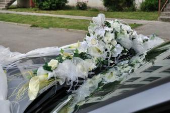 tuf na svadobom aute