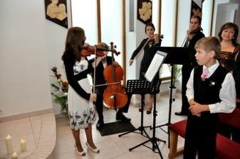 klasická hudba vyznie v kostole pri obrade nádherne, hlavne ak sú to naozaj úžasní hudobníci
